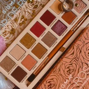 💫BNIB 💫LE Sigma Cor-De-Rosa Eyeshadow Palette!!